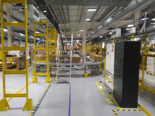 Primera Nave Robotizada de España de Amazon image 0