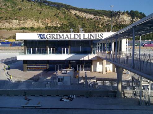 Terminal Grimaldi Line Puerto de Barcelona image 0