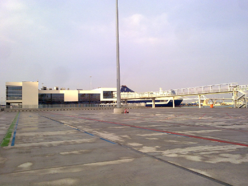 Terminal Grimaldi Line Puerto de Barcelona image 2
